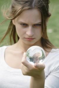 霊感の強い人は本当に霊が見えているのか。